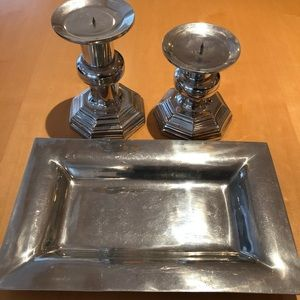 2 CANDLESTICKS AND SMALL TRAY
